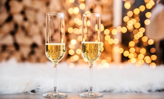 Bellissimi due bicchieri di champagne