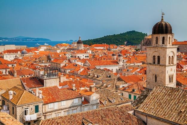 Bella vista della città vecchia di dubrovnik dalle mura della città, dalmazia meridionale, croazia