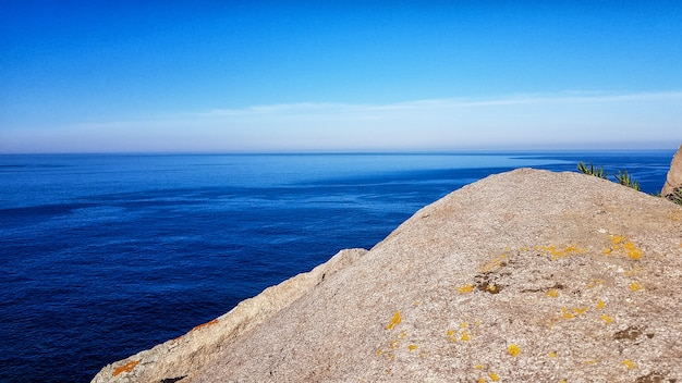 Splendida vista sull'oceano e sulle montagne