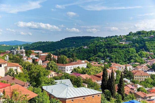 Bella vista sui tetti rossi delle case nella città dell'amore sighnaghi georgia.