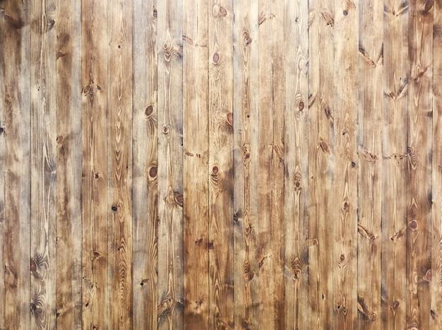 Bellissimo muro da molte assi di legno marrone