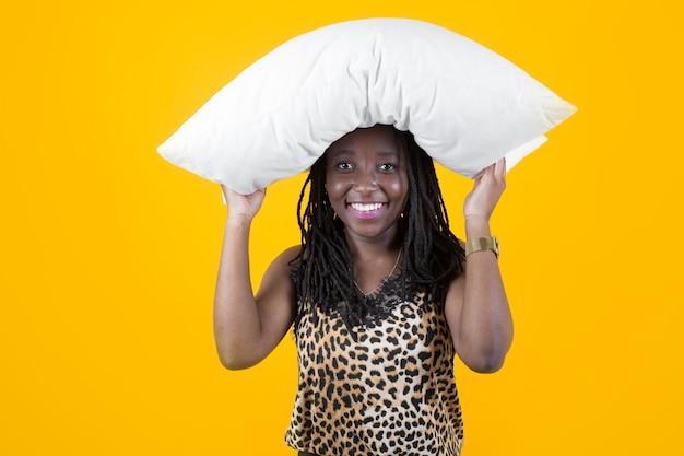 Bella giovane femmina africana