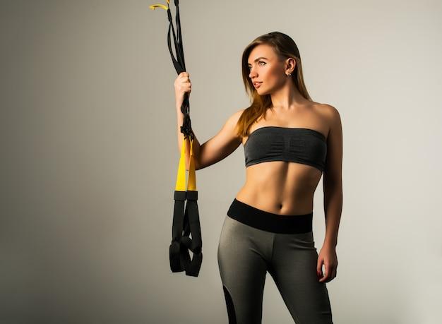 Bella giovane sportiva femminile