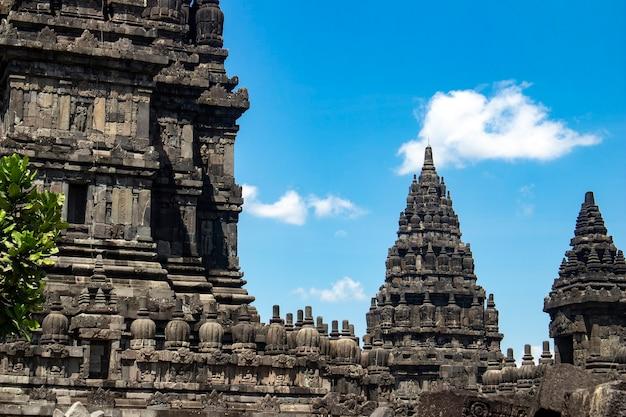 La bellezza del tempio di prambanan a yogjakarta indonesia