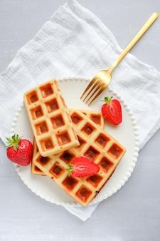 Waffle belgi con fragole