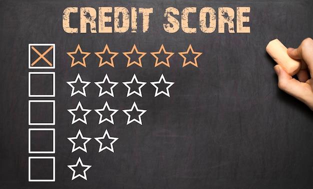 Miglior punteggio di credito cinque stelle d'oro sulla lavagna