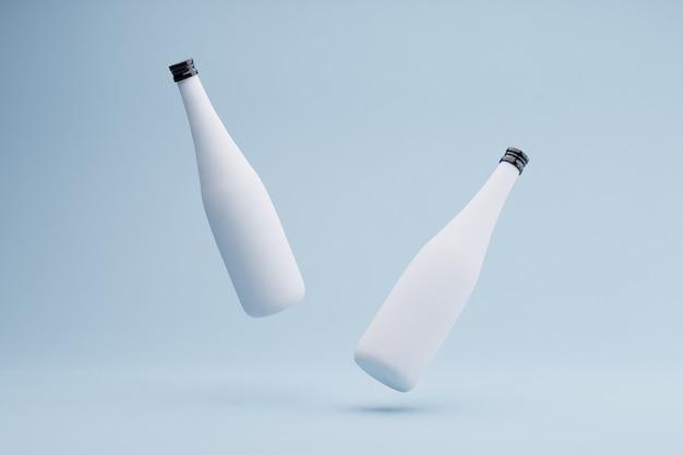 Bottiglie per bevande su sfondo blu