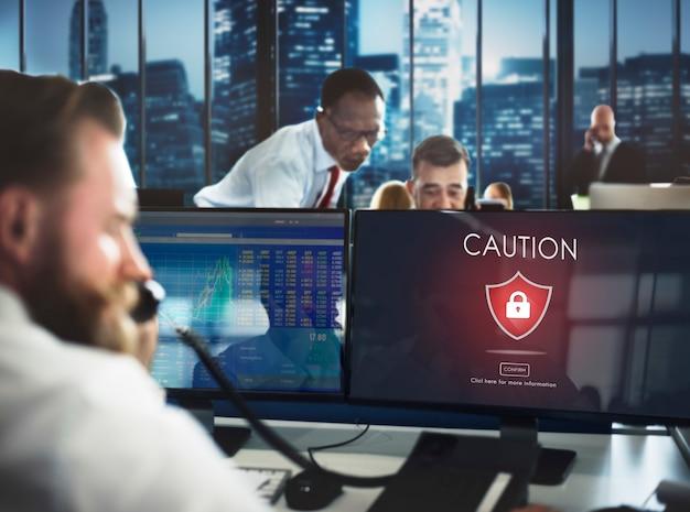 Attenzione attenzione pericoloso hacking concept