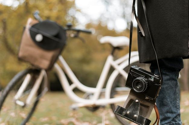 Trasporto alternativo di biciclette nel parco