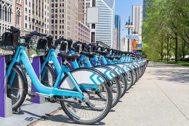 Bikes è il sistema di bike sharing di new york city. parcheggio noleggio bici da città a new york