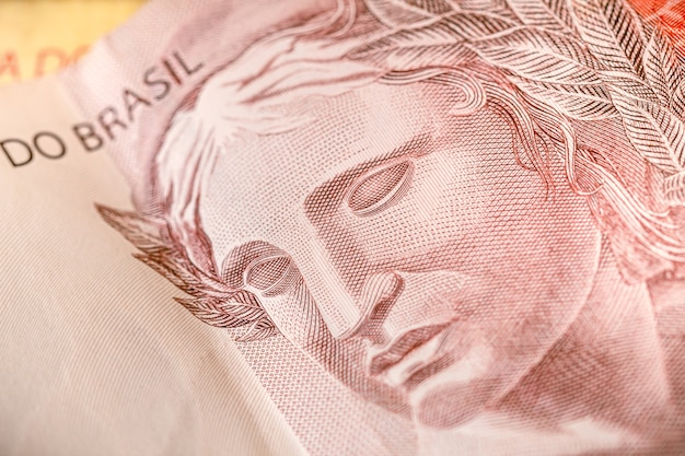 Una banconota dal brasile che è il vero brasiliano nella macrofotografia