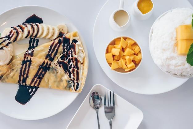 Mango bingsu e dessert di ghiaccio tritati con mango