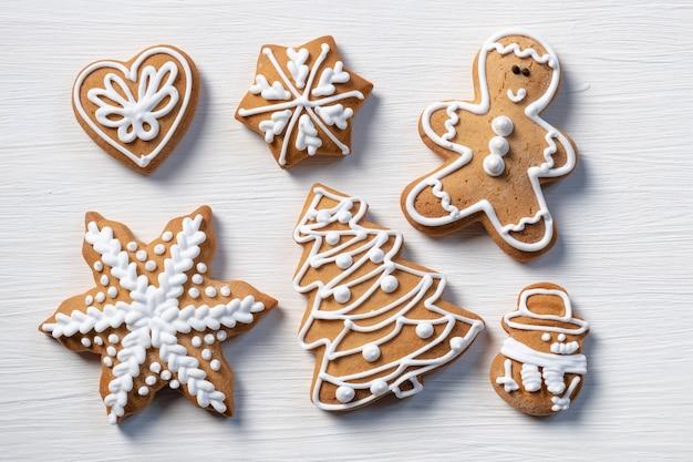 Fondo di legno bianco del regalo del biscotto
