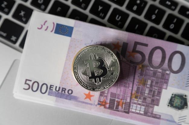 Il bitcoin è sui soldi