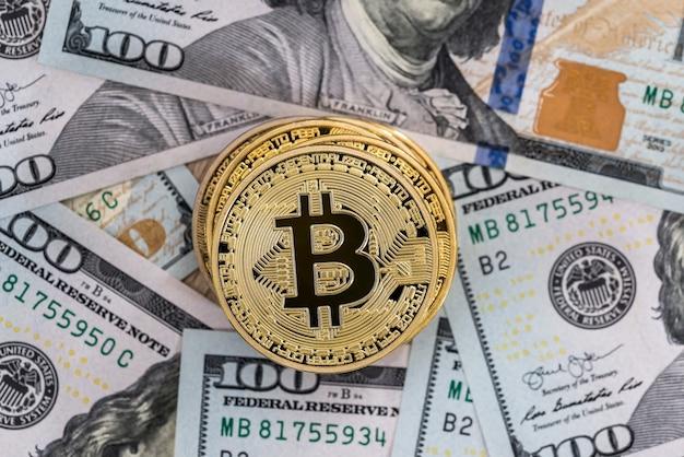 I bitcoin vengono piazzati su dollari. avvicinamento