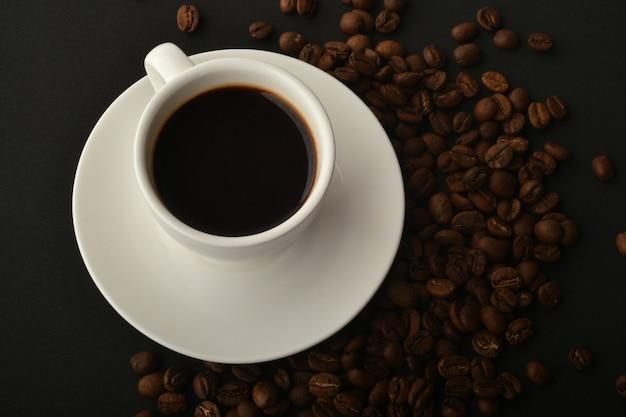 Biscotti al caffè nero e gocce di cioccolato