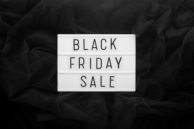 Testo di vendita venerdì nero su lightbox