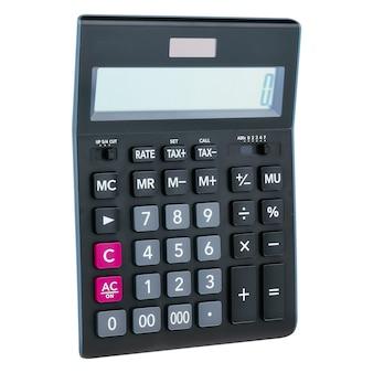 Calcolatrice digitale in plastica nera, isolata su uno sfondo bianco, close-up.