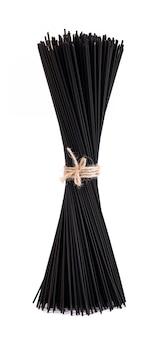Spaghetti neri con nero di seppia, isolato