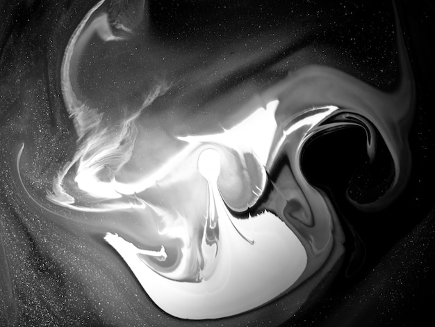 Struttura della vernice acrilica in bianco e nero con forme organiche astratte per disegni creativi