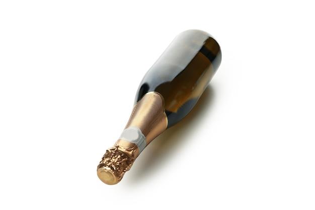 Bottiglia vuota di champagne isolata su bianco