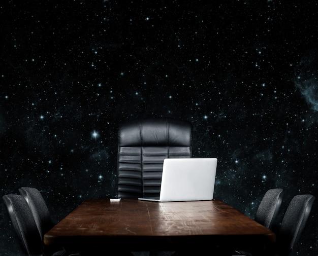 Desktop vuoto su sfondo nero. elementi di questa immagine fornita dalla nasa