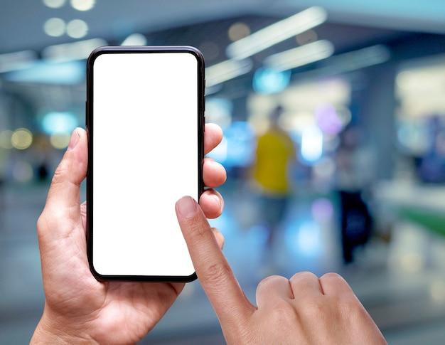 Vuoto dello schermo del cellulare in mano
