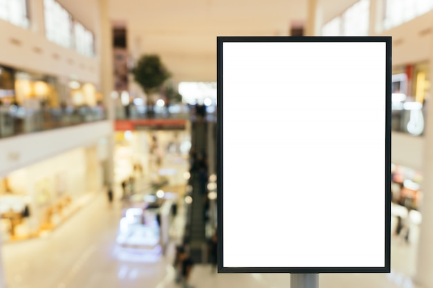 Blank mock up segno cartellone poster con spazio di copia