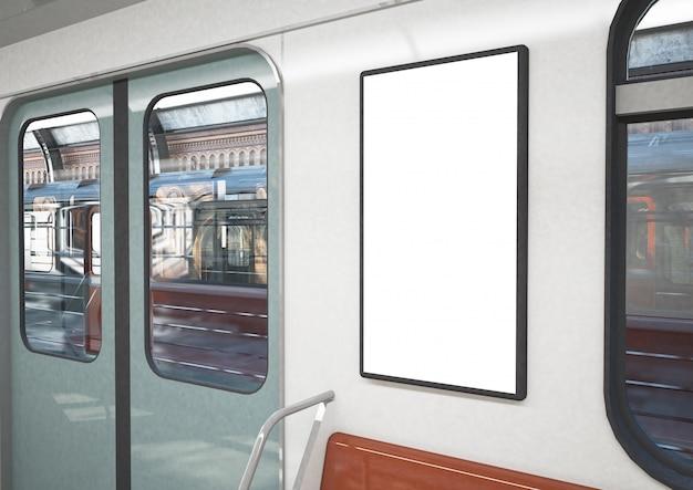 Manifesto in bianco su un treno