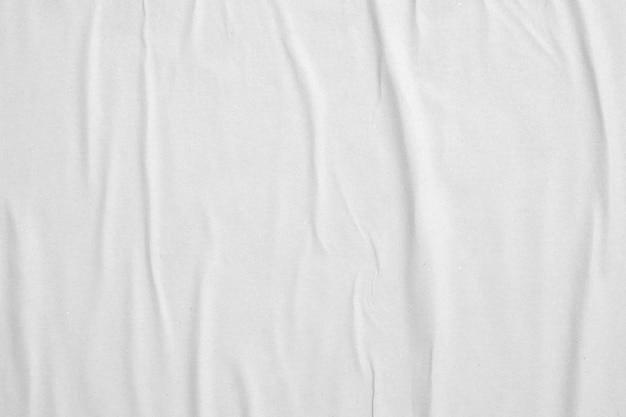 Struttura del manifesto di carta sgualcita e spiegazzata bianca in bianco