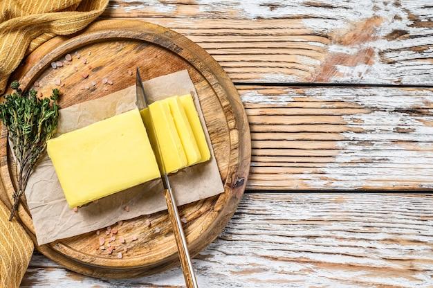 Blocco di burro fresco, prodotti lattiero-caseari