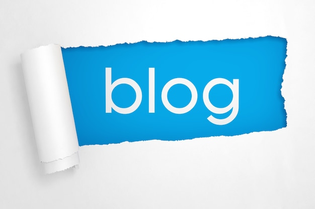 Blog accedi al primo piano estremo del buco del libro bianco strappato. rendering 3d