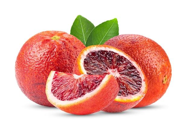 Arancia sanguigna su bianco