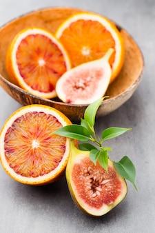 Sanguinose arance siciliane e fichi