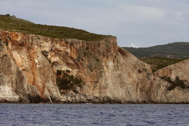 Grotte blu sull'isola di zante - grecia