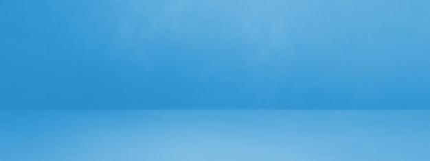 Insegna interna concreta blu del fondo. scena modello vuoto