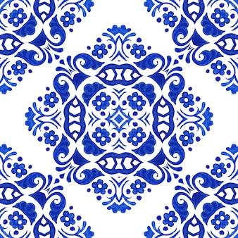 Fondo senza cuciture del modello di progettazione delle mattonelle di ceramica dell'acquerello disegnato a mano blu.