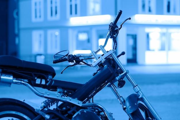 Moto blu sullo sfondo di tromso hd