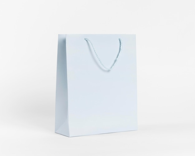 Shopper in carta blu per lo shopping