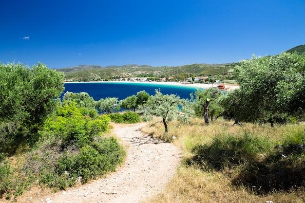 Mare blu in grecia