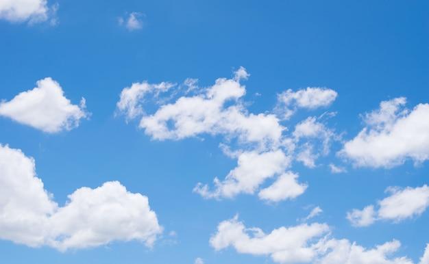 Sfondo del cielo blu