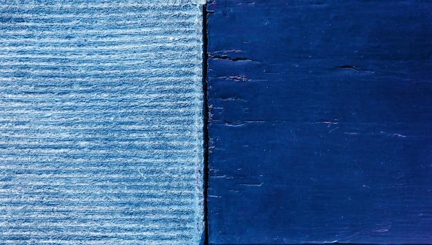 Superfici in legno e cemento blu