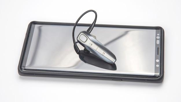 Bluetooth da vicino con un telefono cellulare