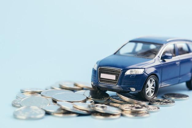 Sfocatura auto suv sulle monete