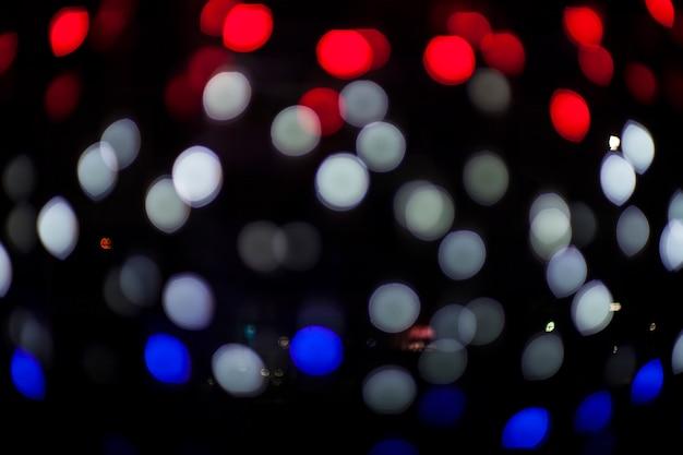 Luci sfocate bokeh di notte.