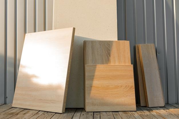 Parti tagliate in truciolare per la produzione di mobili