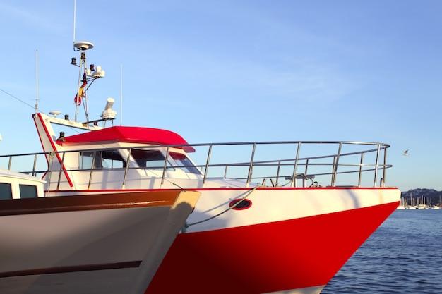 Prua della barca di pescatori professionisti