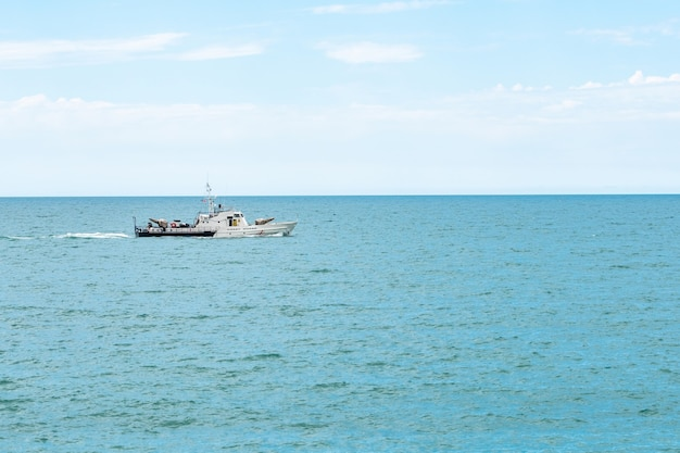 Barca della guardia costiera georgiana, mar nero, georgia