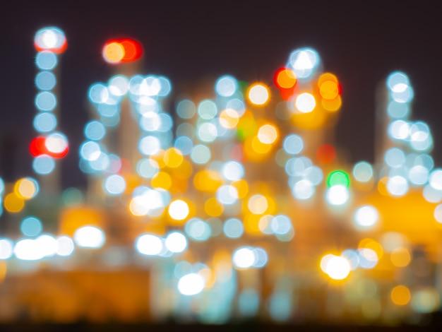 Bokeh e sfocato di raffineria oli e impianti industriali a gas