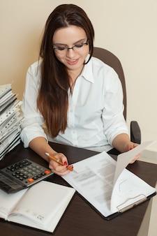 Contabile firma il bilancio contabile